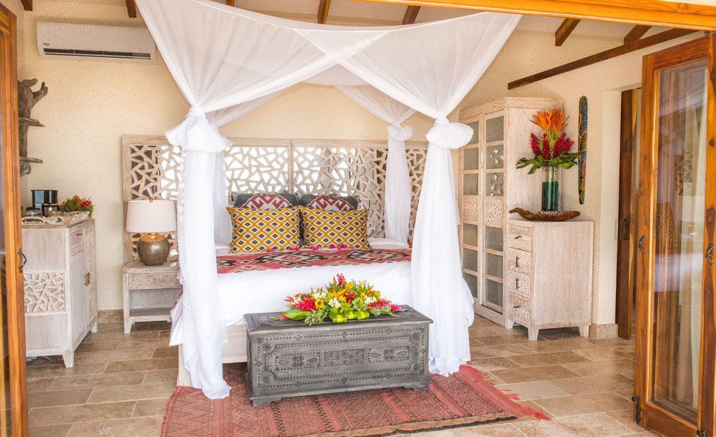 Costa-Rica-Villa-bed